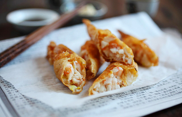Shrimp Wrapped in Tofu Skin (鮮蝦腐皮券)