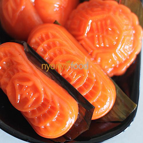 Angku Kuih (Red Tortoise Cake)