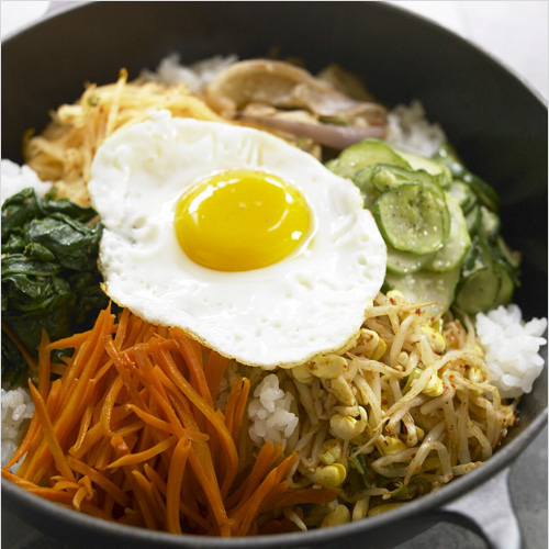 Bibimbap is a Korean rice dish topped with vegetables. Bibimbap is delicious and this bibimbap recipe covers everything from making rice to the toppings. | rasamalaysia.com