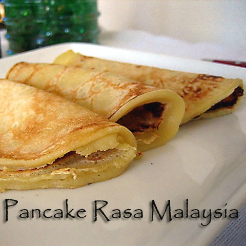 On a chilly morning, nothing beats warm, fluffy, and soft home-made pancakes. This Breakfast Pancake Recipe is simple, delicious, and can be made in a jiffy. | rasamalaysia.com
