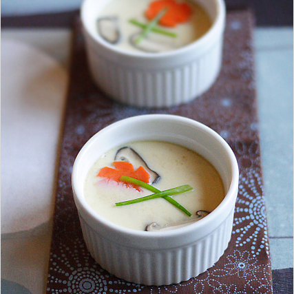 Chawanmushi Recipe (Japanese Steamed Egg Custard/茶碗蒸し)