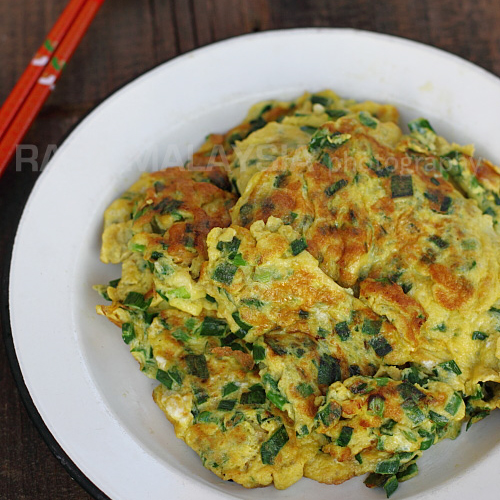 Chives Omelet (韭菜煎蛋)