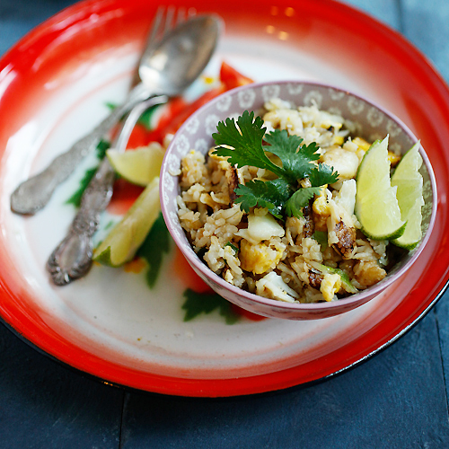 Thai Crab Fried Rice – Crab fried rice is a tasty Thai-style fried rice dish with rice, eggs, and crab meat. Easy crab fried rice recipe that anyone can make at home. | rasamalaysia.com