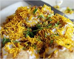 Dahi Aloo Puri