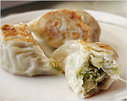 Pan-fried Dumplings (煎饺)