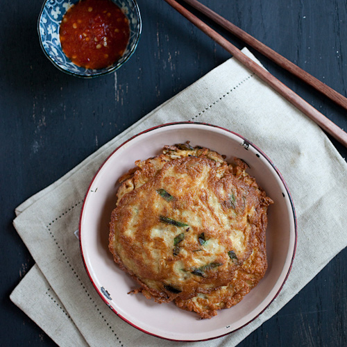 Egg Foo Young is a popular Chinese dish in America. This Easy Egg Foo Young recipe is made with eggs, bean sprouts, meat, and shrimp. | rasamalaysia.com