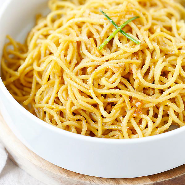 Garlic Noodles - the easiest and best noodles with garlic, butter, Parmesan cheese and Asian sauces. So good and so easy to make!