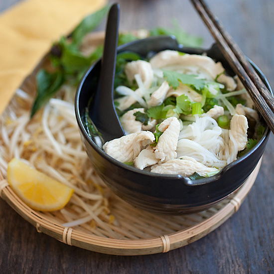Chicken Pho - hearty Vietnamese chicken noodles soup, hearty and super delicious. Get the easy recipe | rasamalaysia.com