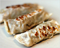 Pot Stickers (锅贴)