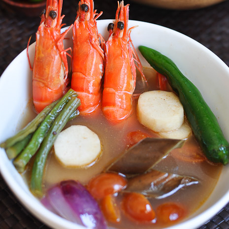 Filipino Recipe: Shrimp Sinigang (Sinigang na Hipon) | Easy Delicious ...