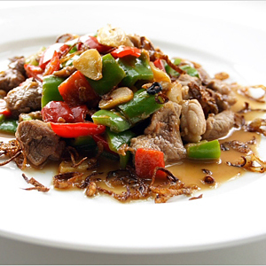 Stir-fried Pork with Cincaluk (Heh Ya Kay Char Bak) recipe - The generous use of green bell peppers, red chiles, cincaluk, fried shallots and garlic add great colors and infuse the pork with droolsome aroma and pungent taste. | rasamalaysia.com