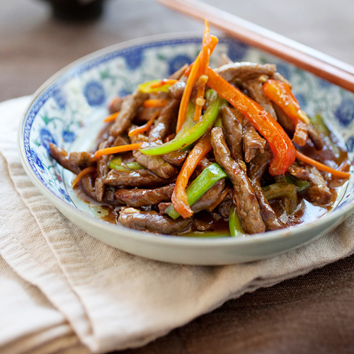 beef stir-fried with red and green bell peppers, in a mildy spicy ...