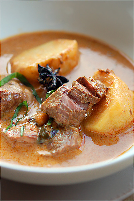 Thai Food: Beef Massaman Curry Recipe