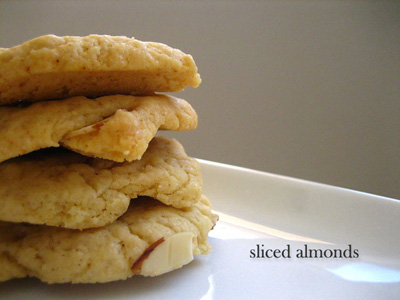 Butter Cookies with Sliced Almonds