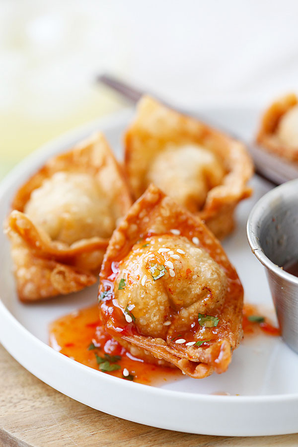Fried wontons – BEST wontons recipe! Homemade, crispy, simple ingredients. Learn how to make wontons with this easy Chinese recipe | rasamalaysia.com