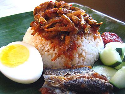 Nasi Lemak Recipe (Malaysian Coconut Milk Rice with ...