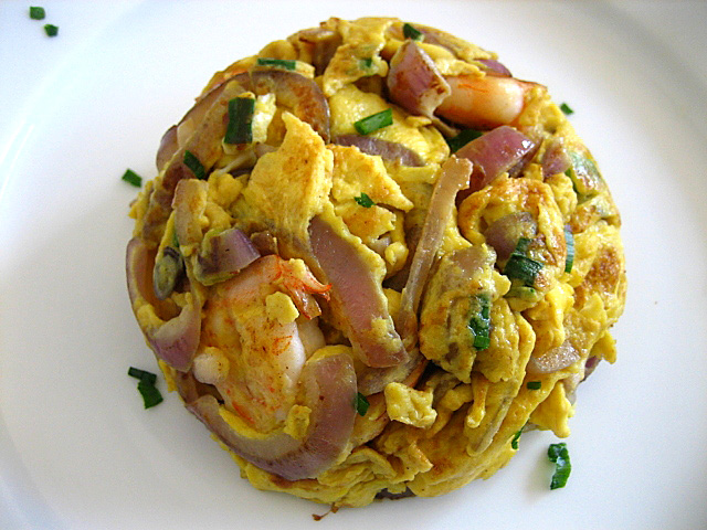 Rasa Malaysia Omelet/Stir-fried Eggs with Red Onions and Shrimp