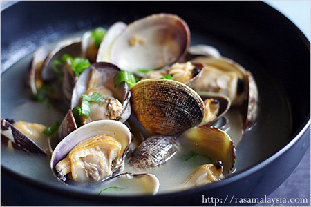 Steamed Asari (Manila) Clam