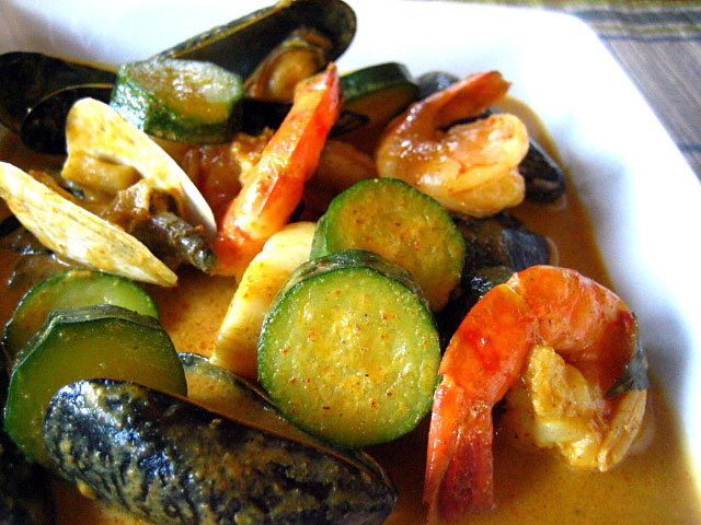 Thai Yellow Curry with Seafood Recipe | Easy Delicious Recipes