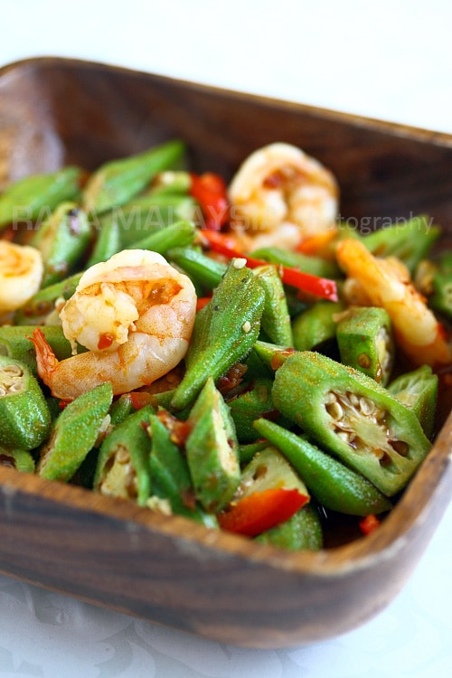 Sambal okra recipe with sambal, okra and shrimp.