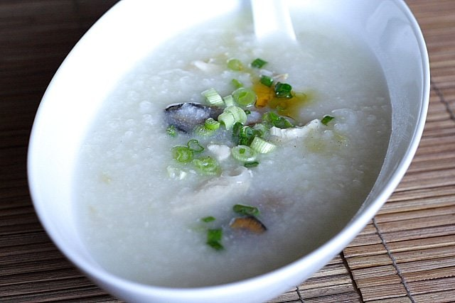 What do you eat when you have your teeth pulled out? A bowl of chew-friendly Chinese porridge/congee. | rasamalaysia.com