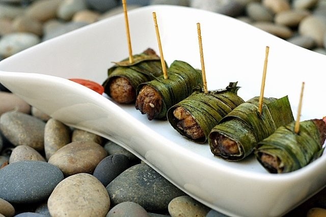 Pandan Chicken Recipe - Fried chicken wrapped with screwpine leaves ...