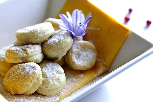 Souffle Egg White Balls with Red Bean Paste - red bean paste, egg whites, flour, corn starch | rasamalaysia.com