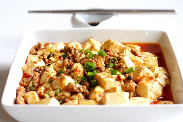 Numbing spicy mapo tofu with delicious tofu and meat.