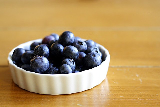 Blueberry Pound Cake Recipe - butter, sugar, eggs, vanilla, blueberries. | rasamalaysia.com