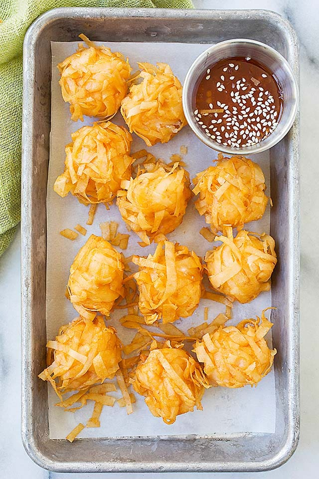 Fried Shrimp Balls - crispy and crunchy shrimp balls, a popular and delicious Chinese appetizer. Learn how to make this Cantonese dim sum with the easy recipe.