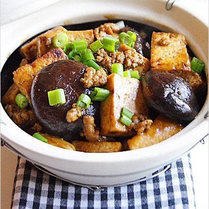 Braised Bean Curd with Mushrooms (Firm Tofu)