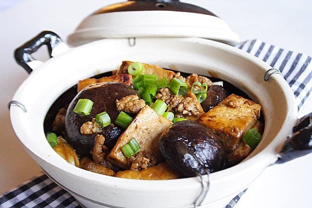Braised Bean Curd with Mushrooms (Firm Tofu), ready to serve.