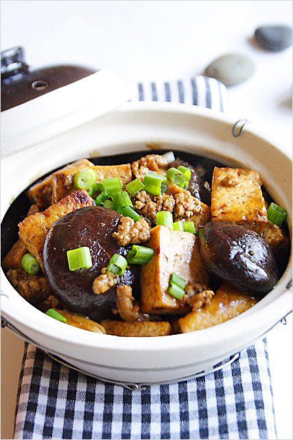 Firm Tofu with Mushrooms - ground pork, shiitake mushrooms, dark soy sauce, scallion, garlic | rasamalaysia.com