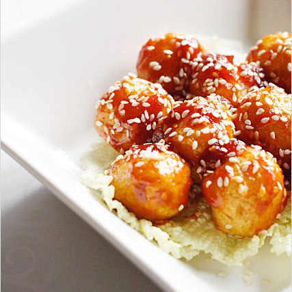 Sweet and Sour Fish Balls recipe - I love cooking fish balls dishes such as curry fish balls, braised fishballs with bean curd and daikon in claypot, and sweet and sour fish balls featured. | rasamalaysia.com