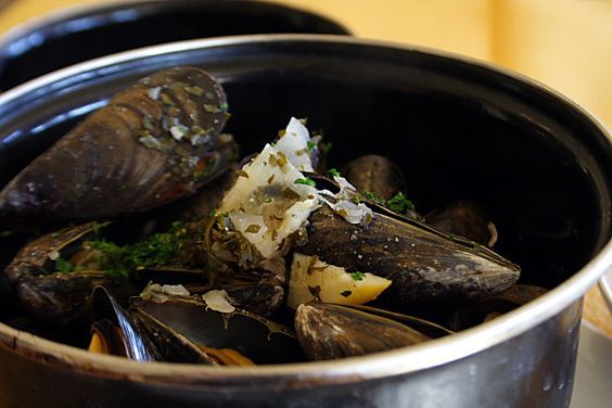 how to cook moules mariniere