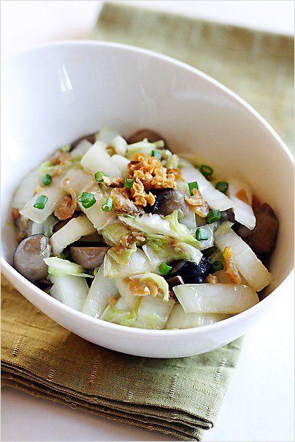 Stir-fried Napa Cabbage Recipe - A simple and delightful dish–stir-fried napa cabbage with dried shrimp (and straw mushrooms). | rasamalaysia.com