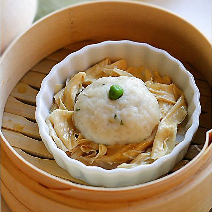 Fish Ball Recipe (Steamed Fish Balls with Bean Curd Sticks)