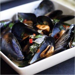 Steamed Mussels with Lemongrass Thai Basil Chilies and Coconut Juice