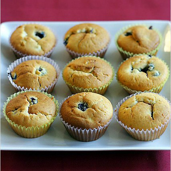 Blueberry Muffins Recipe - Packed full of juicy blueberries, these sweet and light muffins are perfect choice for breakfast.   rasamalaysia.com