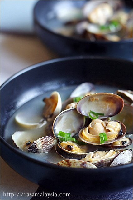 Steamed Asari Clams - clams, butter, sake, scallion. | rasamalaysia ...