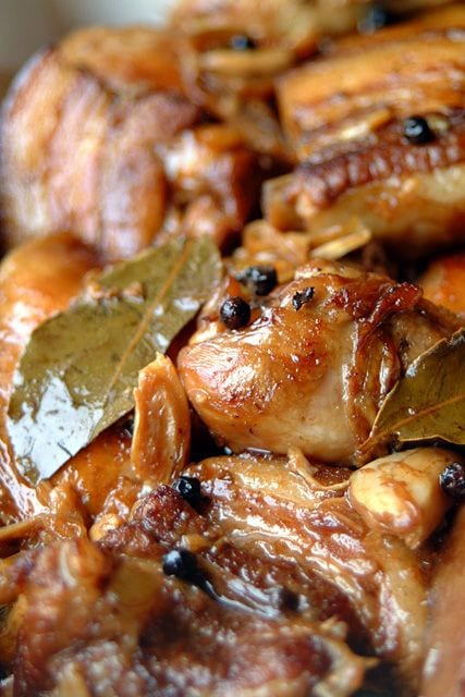 Adobo recipe - Filipino adobo is a stew or a simmer of meat or vegetables cooked with vinegar. The most common versions uses chicken or pork or both, with soy sauce to flavour, as well as bay leaf, black pepper, and garlic. | rasamalaysia.com