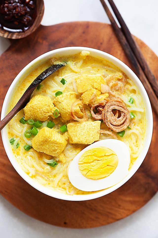 Soto ayam, ready to serve.