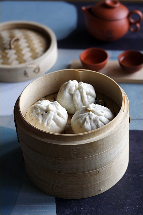 Chicken buns or Chinese steamed chicken buns is a popular dim sum item. Learn how to make Chinese chicken buns (bao) with this chicken buns recipe. A must try! | rasamalaysia.com
