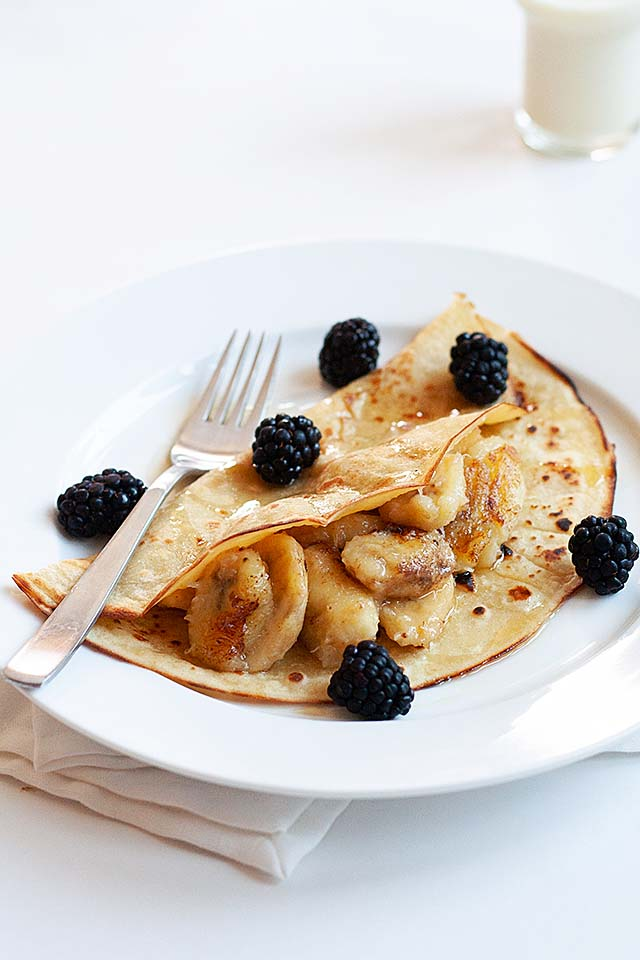 Easy banana pancake recipe made of all purpose flour, eggs, milk and bananas.