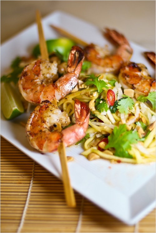 Grilled Shrimp with Green Papaya and Mango Salad recipe - To finish it off the salad is tossed with a delicious Vietnamese dressing made with lime juice, garlic-chili powder and nam pla and the whole thing is sprinkled with chopped peanuts.   rasamalaysia.com