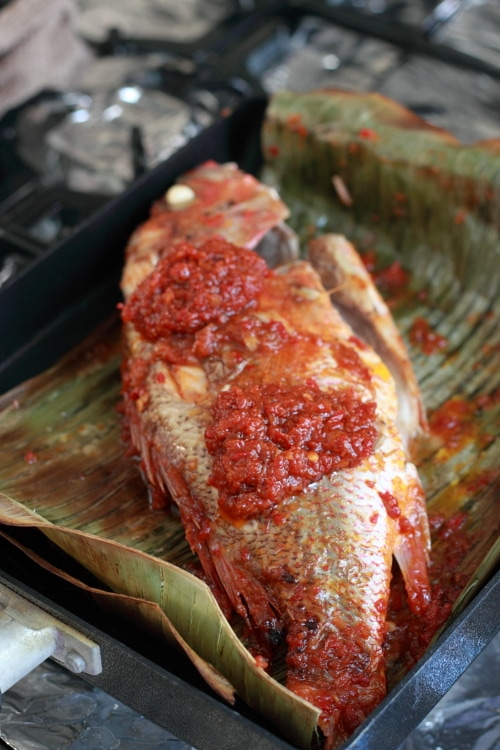 Malaysian grilled fish wrapped with banana leaves. Moist, aromatic, spicy, and full of flavor. The best grilled fish recipe ever! | rasamalaysia.com