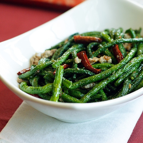 A popular and delicious string bean recipe served in Chinese restaurants all over the US. | rasamalaysia.com
