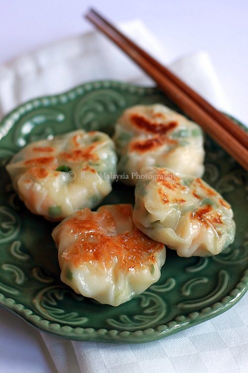 Close up of delicious dumplings with shrimp and chive filling.