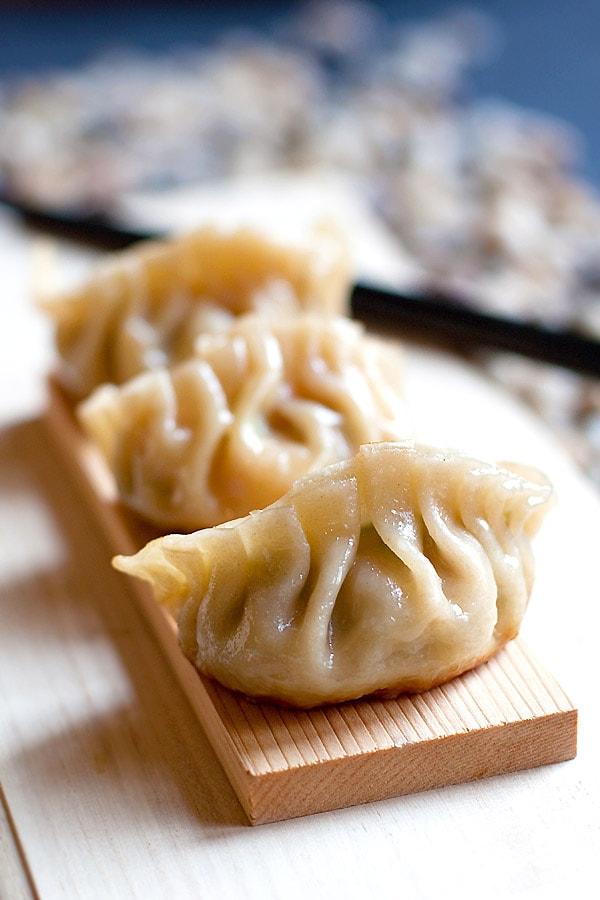 Gyoza | Japanese Gyoza Recipe | Easy Delicious Recipes ...