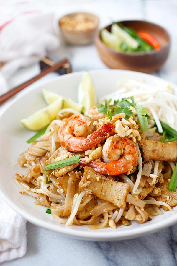 Shrimp pad thai recipe homemade healthy rasa malaysia easy pad thai with shrimp forumfinder Images